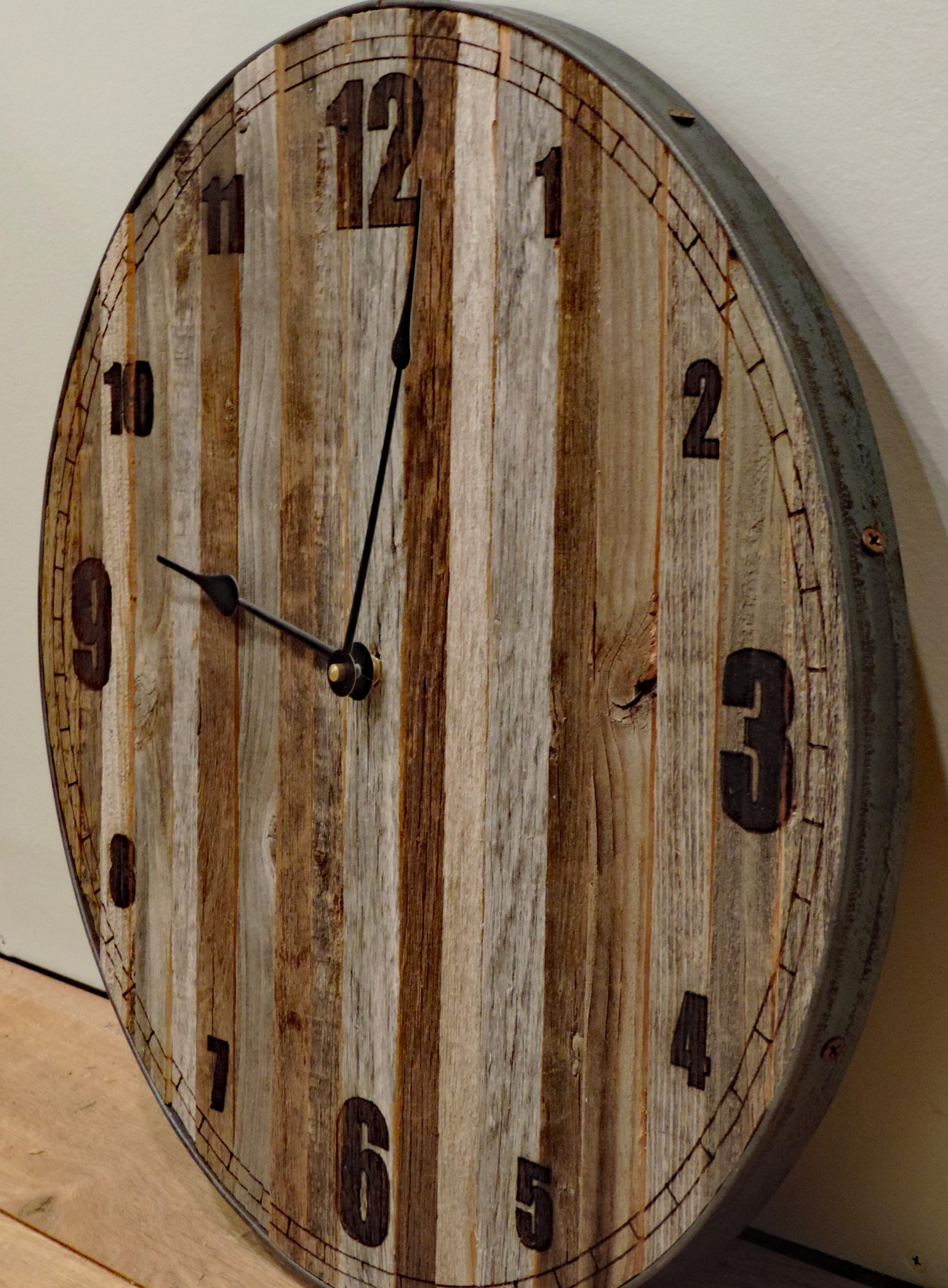 "e624c14f215 18 inch (18″) ""Baby Bear"" Rustic Wall Clock   Narrow Slat Barn Wood Clock  with laser numbers"