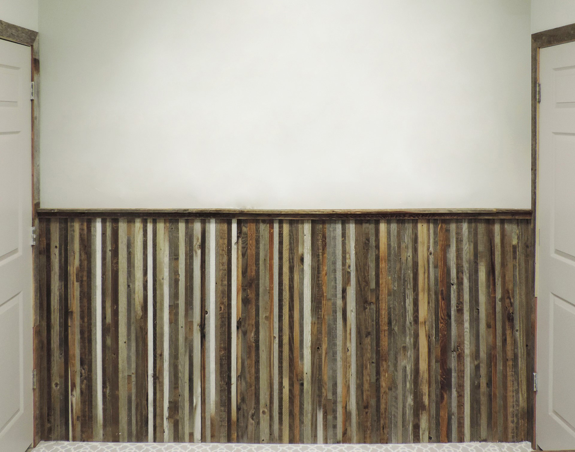 Barnwood Wainscoting Reclaimed Wood Wall ...